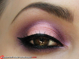 More pictures here: http://trustmyself-make-up.blogspot.com/2012/06/purple-make-up-tutorial.html