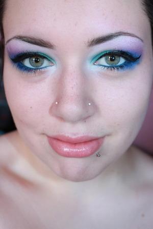 http://ticklemetonks.blogspot.com/2011/07/fotd-cool-shimmery-colours.html