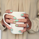 Easy Mint and Gold Chevron Nails