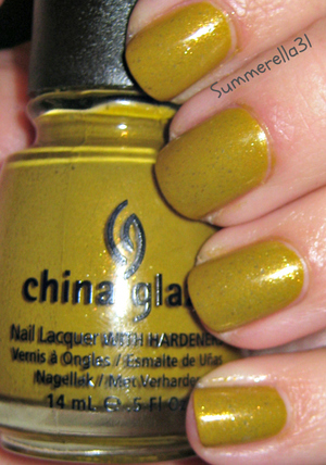 China Glaze Trendsetter with Essie As Gold As It Gets