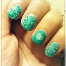 green nails art