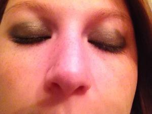 mom doing make up