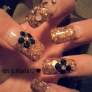 Gold Glitter Tip With Blk 3D Flowers