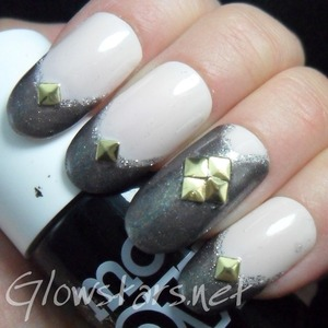 For more nail art and pictures of this manicure visit http://Glowstars.net