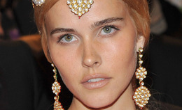 Met Costume Institute Gala Hair: Isabel Lucas