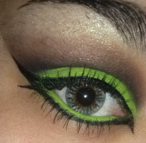I was inspired by the 7 deadly sins! this is my Envy version :)