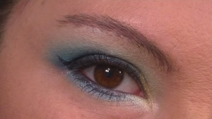 Simple blue and gold smokey eye, part one of a peacock eye tutorial