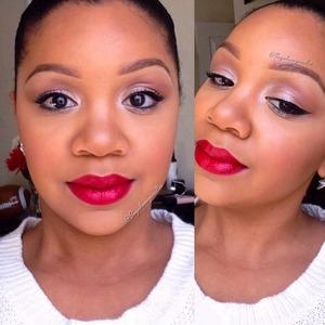 Neutral eye and MAC Viva glam Riri on the lippies. Instagram @Sugahoneyicedtee