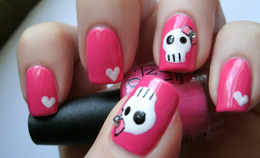 These 7 Creepy-Cute Halloween Manicures Put the 'Happy' in Halloween