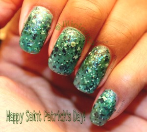 Happy Saint Patrick's Day, everyone!!! I decided to go with something simple. :) This is two coats of Maybelline Drops of Jade, and one coat of Sinful Colors Green Ocean, topped off with a layer of Revlon matte topcoat.