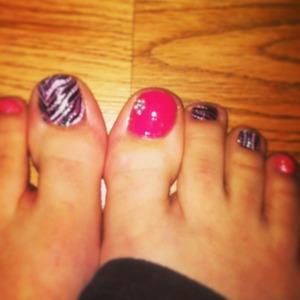 Fun mix of zebra print and pink!