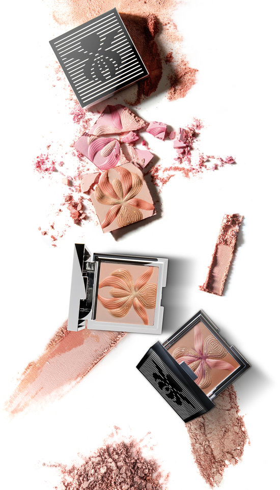 Alternate product image for L'Orchidée Highlighting Blush shown with the description.