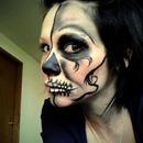 Eye Liner Skull