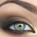 Bold but beautiful eyeshadow