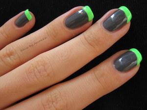 http://arvonka-nails.blogspot.sk/2012/09/neonova-francuzska-manikura.html
