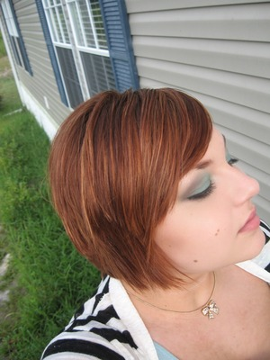 Teal lid with a smokey crease! :)