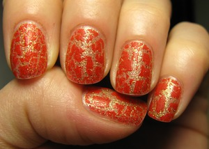 Essence Touch&go as base + Crackle polish by Mesauda!