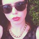 #Redlips #Gold