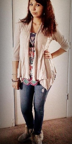 I love loose flowy tops and jeans my favorite