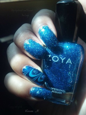 All of the nail polishes used were: Zoya Twila, Zoya Yummy & Sinful Colors Midnight Blue.