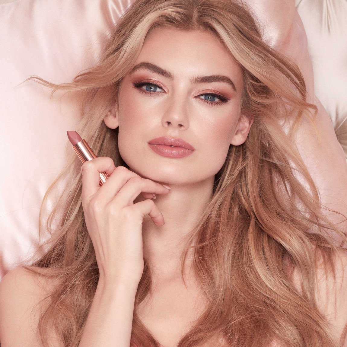 Charlotte Tilbury Get the Look The Pillow Talk product swatch.