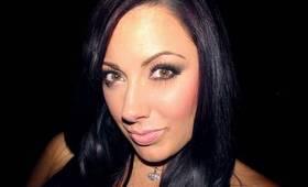 The Classic Kardashian Smoky Eye Tutorial - Naked Palette