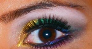 http://smokincolour.blogspot.com/2012/07/golden-emerald.html