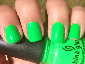 A great green neon, but a little streaky :( I need a better green.