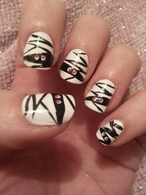 A Halloween nail design!