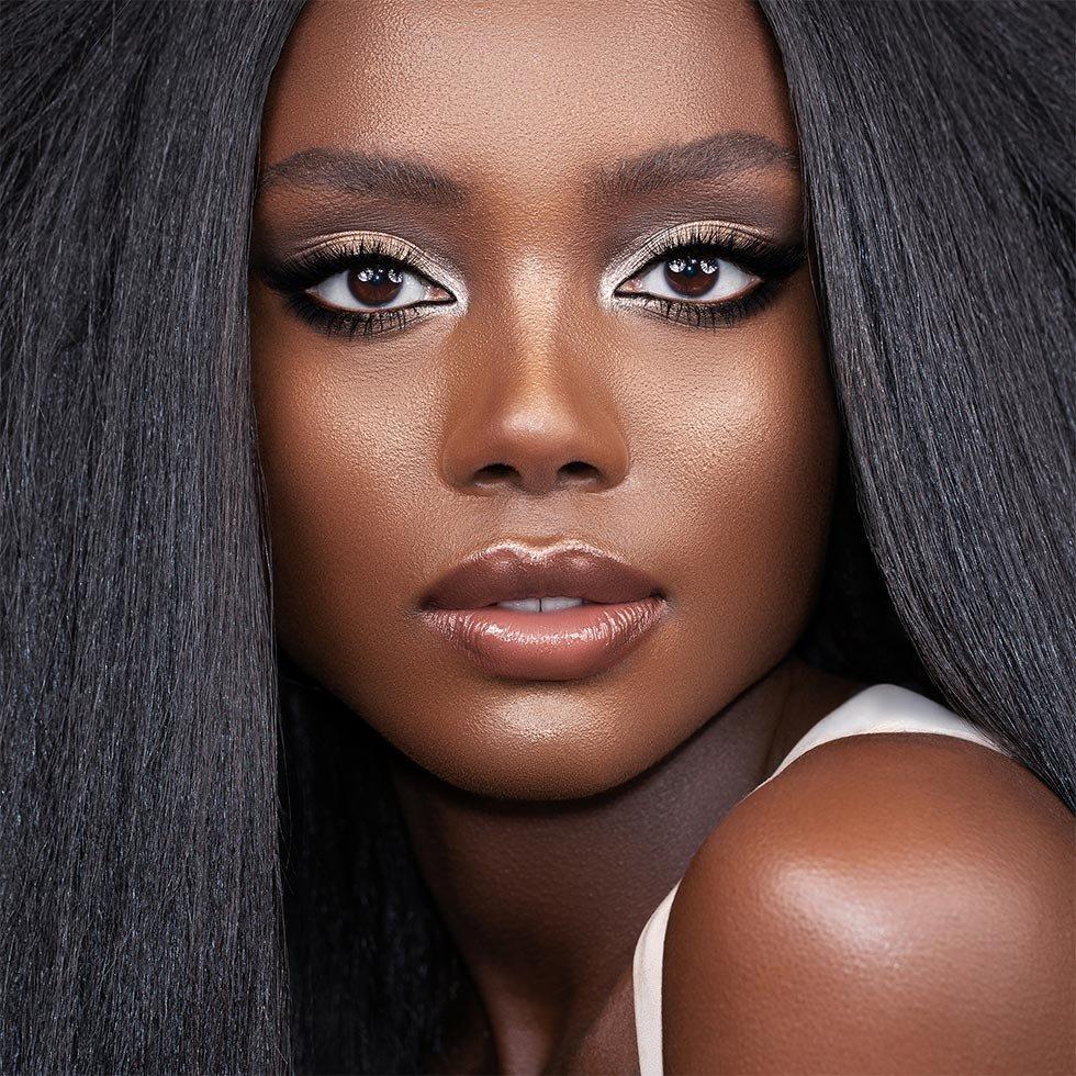 Natasha Denona Glam Palette Model