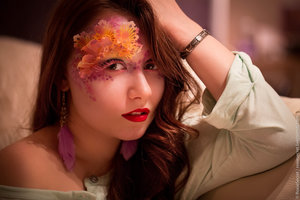 Airbrush makeup.