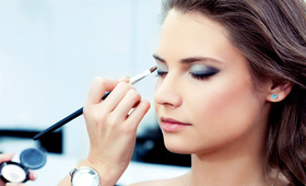A Makeup Artist's Guide to Bridal Beauty Contracts