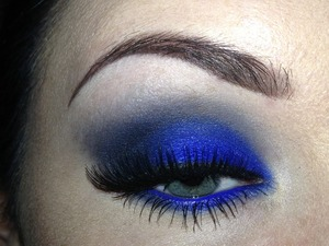 Just a quick look! Crease colour was higher up and looked darker in person. Products used: • MUA intense colour eyeliner- Royal Blue (as a base and in waterline) • Sugarpill pressed eyeshadow - Velocity • MAC eyeshadow - Plumage • Black shadow from Sleek's Acid palette • Maybelline the falsies mascara • Ardell natural style lashes 105  Hope you enjoy :)