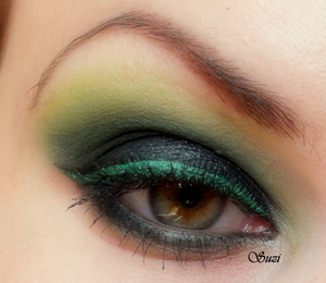http://www.beautybysuzi.blogspot.sk/2012/09/drama-with-green.html