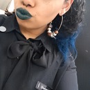 Green Lips, Blue hair