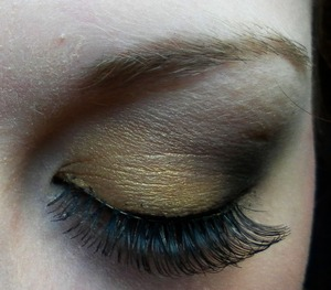 A golden bronze and brown look.