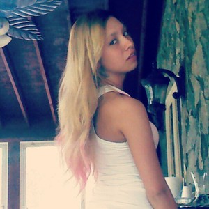 Dip-dyed pink extensions.  100% Remy human hair.