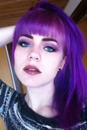 I love purple hair, but kind of miss the turquoise hair a bit..