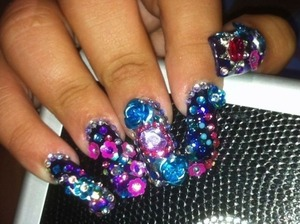 I love flashy nails like this :) (This is not my personal photo)