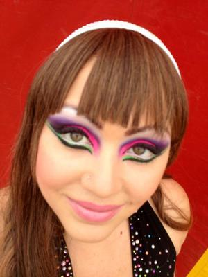 a bright neon look using my sleek acid palette from idivine. fantastic pigments and so smooth