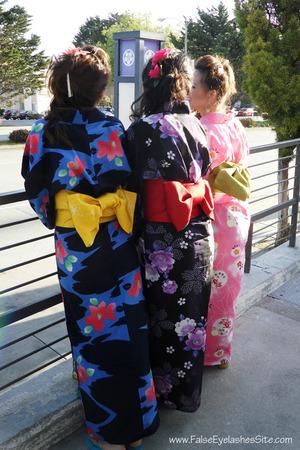 http://falseeyelashessite.com/blog/2012/04/20/cherry-blossoms/