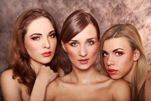 Models // Ena Taslaman , Aida Kopić , Gala Dali Photo/edit // Nađa Berberović Make-up // Naida Đekić