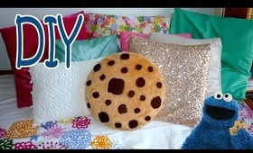 DIY ROOM DECOR ❤ Super simple COOKIE PILLOW! (Sew/No sew)