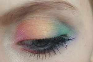 Here is my new updated rainbow eye makeup for right now that I wore to my friends rainbow birthday party!