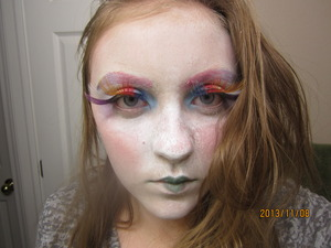 I was super exited to do this look because it was my first time ever putting on false lashes! Tell me how you think I did? And any improvement suggestions.