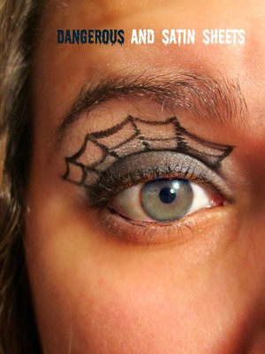 Spider Web great idea for Halloween :) used Beauty from the earth pigments