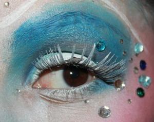 http://smokincolour.blogspot.com/2013/02/ice-queen.html