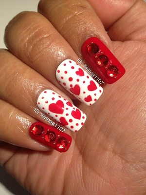 perfect vday nail design w a bling!
