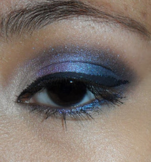 http://ahintofbeauty.blogspot.com/2013/10/urban-decay-vice-2-palette-look.html