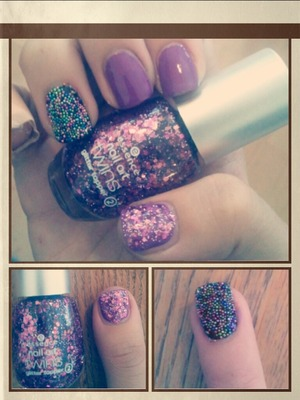 this is not a design. its to show you how the purple glitter essence nailpolish looks :)